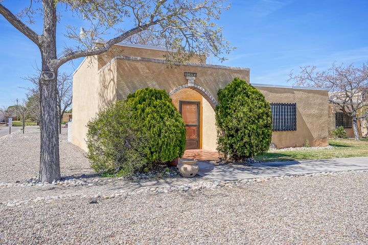 55+ move-in ready two bedroom, two bath condo. Community pool, clubhouse, laundry, workout room, & library on the grounds. HOA pays for water & trash. Convenient to NM528 and close to shopping, restaurants, clubs, and recreation opportunities.