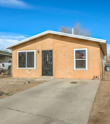 Welcome to 975 Sawmill which is located in the heart of Bernalillo ! This lovely property boast A updated pro panel roof and new windows. The living room has a warm and welcoming feel to it. The large back yard is primed to be converted into the yard you've always dreamed of. Home is just minutes away from parks and recreation center and not too far from the world famous Range cafe. Contact your trusted realtor for a private showing.