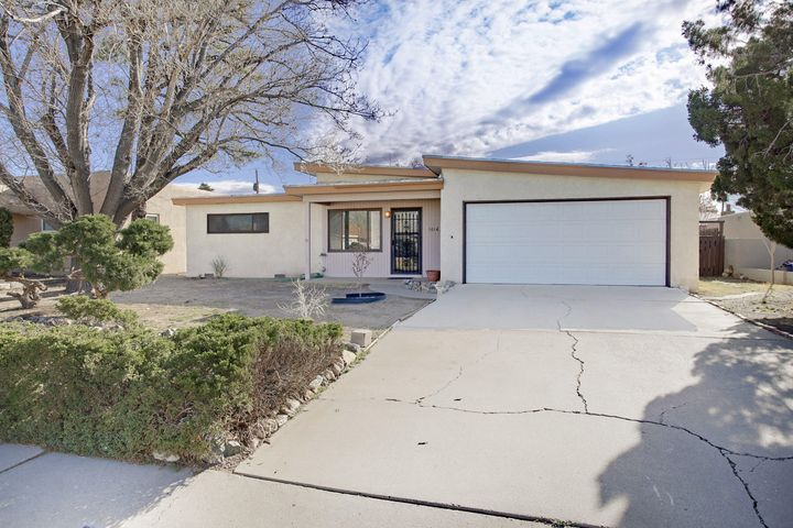 Nice Property move in ready.  New Carpet, New Paint, New stainless Steel appliances, New Water Heater.