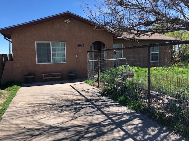 Cute home located just minutes from our Historic Plaza.  Home features 3 bedrooms, 2 bathrooms and an amazing enclosed back porch.  Home has updated flooring with custom paint.