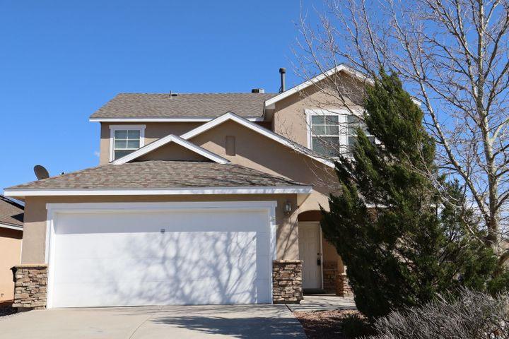 Open floor plan with 2 living areas and a kitchen to please even the pickiest chef. Spacious, easy care corner lot with views of the Sandia Mountains & City Lights. Close to beautiful park, CNM & shopping.  Freshly painted, new carpet and ready for immediate sale.