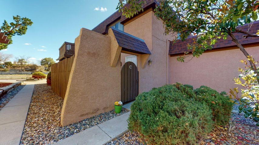 Super convenient NE heights location. Walking distance to City Park and Tennis Courts. 1 Car attached garage. Private enclosed patio. Entire unit has newer paint and carpet. HOA covers; water, sewer, trash, roof and exterior of unit. Community pool and club house.