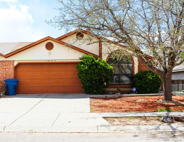 Charming well maintained townhome with beautiful curb appeal in a serene Los Lunas neighborhood.  The home features three cozy bedrooms including a master bedroom with a private bathroom.   The large living room features bright wood laminate flooring, a large window for outside viewing, and is perfect for both entertaining and relaxing next to the wood fireplace.  The sweet eat in kitchen kitchen features plenty of counter space, wood cabinetry, and access to the fenced back yard.  Recent updates include a 2019 furnace, 2010 water heater, 2015 evaporative coolar, and a recently replaced garbage disposal.  Come call this property yours today!