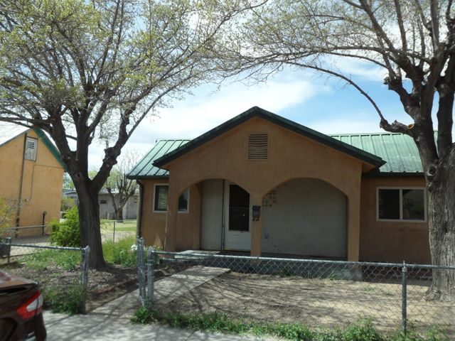 This is an outstanding investor opportunity with a huge double lot and a storage shed. Home needs a little love and imagination. Close to freeway and downtown. Property being sold as is. HOME INSPECTION COMPLETE.