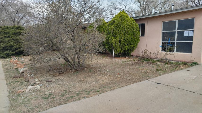 HUD Owned PropertyHUD Case # 361-287031HUD homes sold ''AS IS''Juan Tabo / Lomas NE areaGood Bones on this home, a 2 Bed / one bath with a converted garage to extend the living space as well as a possible 3rd bedroom is being used as an extension of the living area.  A Huge back yard -------- room for a garden, pets, and / or lots of children.