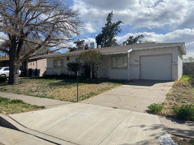 Perfect starter home or investment property.  Sitting on Large lot, this 3 bedroom, 2 bath home is located in the NE heights, close to schools, shopping, transit and freeway.