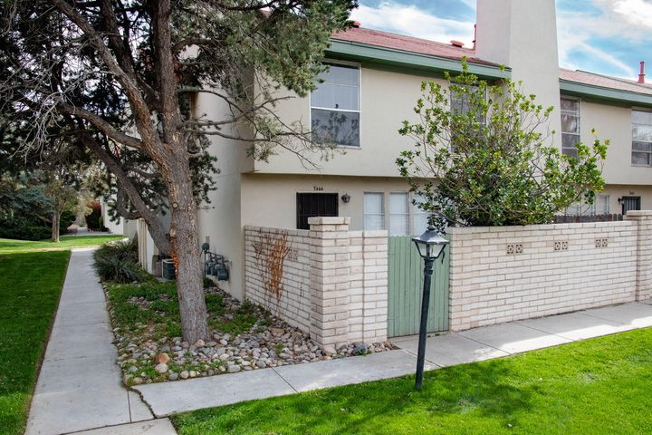 Super nice townhome with refrigerated air, 1 car garage, 3 bedroom, 3 bathroom. Next door to the community pool and clubhouse. Great city location-close to golf course, restaurants, shopping, etc. This home would be great for an owner occupant looking for minimal exterior maintenance or an investor looking for a rental. HOA covers roof, stucco, landscaping, grounds maintenance and all outside structural issues, water and trash REC possible. Furnishings are also negotiable.