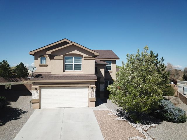 Virtual Tour Available!!(Zillow its in facts and features, interior details)  Beautiful 4 bedroom home in highly desirable Western Ridge subdivision of Ventana Ranch.  Spacious floor plan on a corner lot with a pool, great for entertaining! Schedule your showing today.