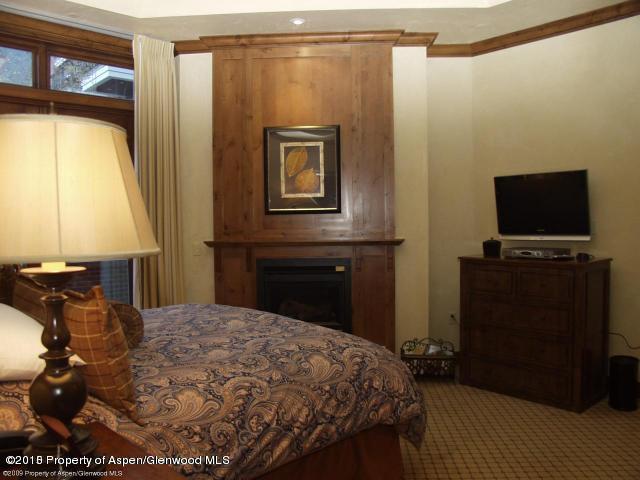 400 E Dean Street #4 Aspen, Co 81611 - MLS #: 142115