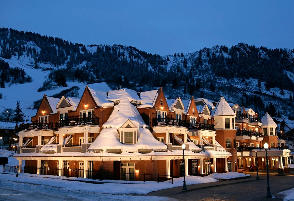 Presidents Day Week! Top Floor Penthouse(4th Floor). Luxurious 2 bedroom condo with private/over sized balcony with East facing views of Aspen Mountain and views to the South. Walk to parks, restaurants, and shops. Enjoy Outstanding service and amenities in a premier location. Week 7 is yours every year in addition to 10 floating days per year. 2019 Feb 17-24; 2020 Feb 16-23.