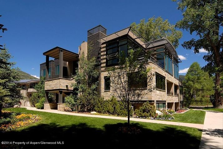 104 East Cooper overlooks Koch Park and has views of Aspen Mountain.