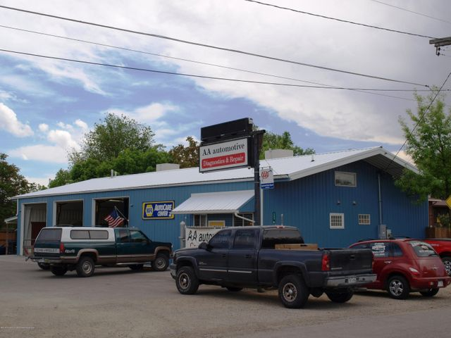 496 Harris Rd, Grand Junction, CO 81501