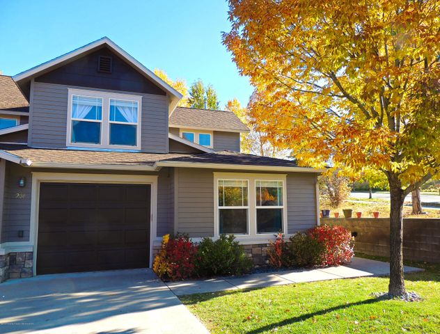 206 W Capital Court, New Castle, CO 81647