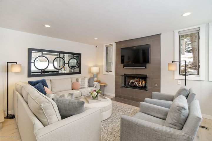 135 Carriage Way, 4, Snowmass Village, CO 81615