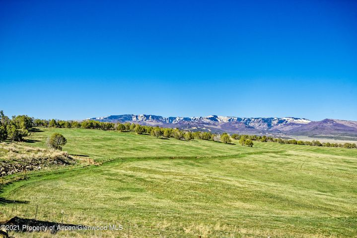 5821 331 County Road, Silt, CO 81652