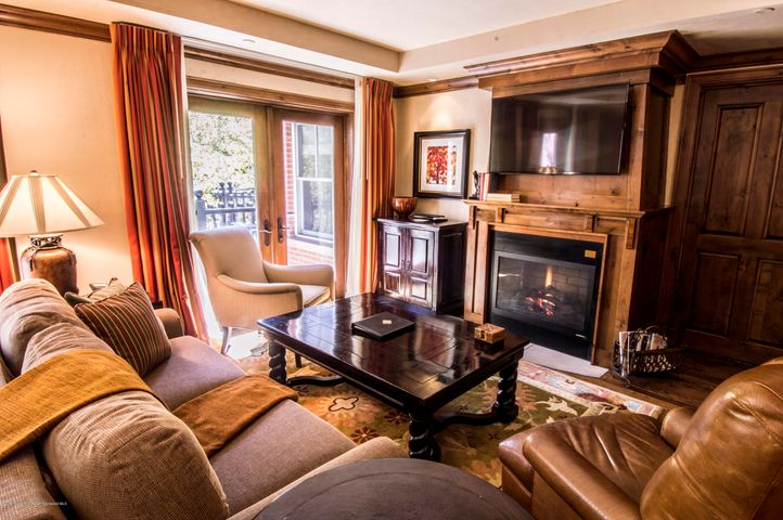 1/20 interest in a luxury condominium right in the heart of downtown Aspen! Residence 34 is an over-sized 2 bedroom 2 1/2 bath unit of over 1700 square feet! Lock off bedroom and extra balcony. Week 32 is a prime August week. August 10-17, 2019. August 8-15, 2020. Plus float week each year. Perfect location one block to the Silver Queen Gondola. Walk to all of Aspen's shops, dining and nightlife. Trading privileges within the Hyatt system.