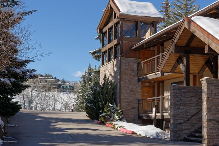 Prime location adjacent to Fanny Hill and the new Snowmass Base Village.  Hardwood floors, remodeled kitchen, view of the Village Express from the patio, washer and dryer in-unit, and one-level living.  Abundant storage for owner personals, and excellent rental potential. Complex pool, hot tub, club house and ski access along with basic utilities included in this package. Low wear and tear.  Offered mostly furnished and ready for occupancy.Photos pending.
