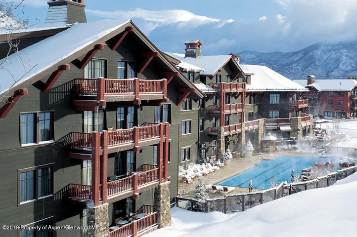 Absolute Best 3 Bedroom Ritz Winter Interest #1. Located in the White River Lodge with stunning Sunset Views off the over-sized deck. Winter interest #1 gets you 2 consecutive winter weeks each year, 1 summer week, and one float week. Enjoy the Luxury of Ski in - Ski out Aspen Highlands.