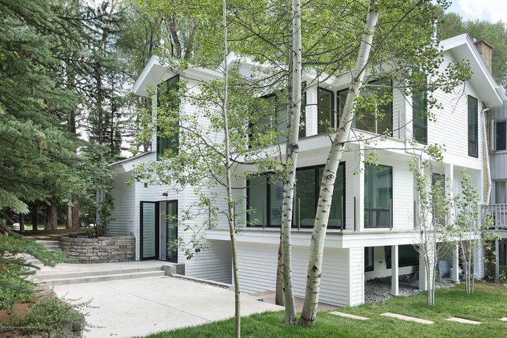 This newly redeveloped West End home combines privacy and simplecontemporary design in the highly desirable West End neighborhood. Nestledwithin Aspen trees with a tranquil stream running through the property thestunning half-duplex provides an easy entry into Aspen's coveted West End.