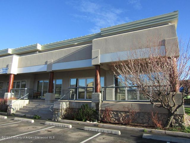 Great one person office. Perfect for business owners moving from their home office and need a professional space., 152 Sf. at $600.00/mo.*One year minimum lease.