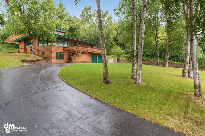 1703 Laurence Court, Anchorage, AK 99501