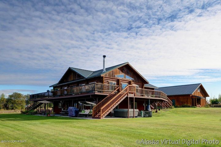 Lakefront homes for palmer wasilla big lake willow for Alaska log home builders