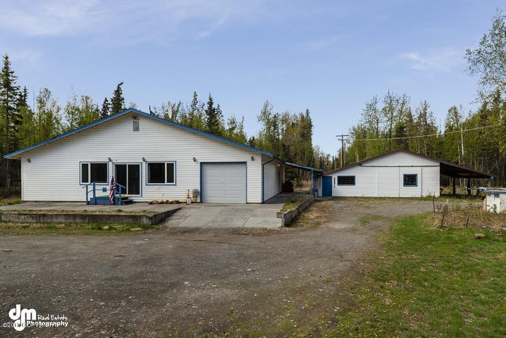 16767 E Back Acres Avenue, Palmer, AK 99645