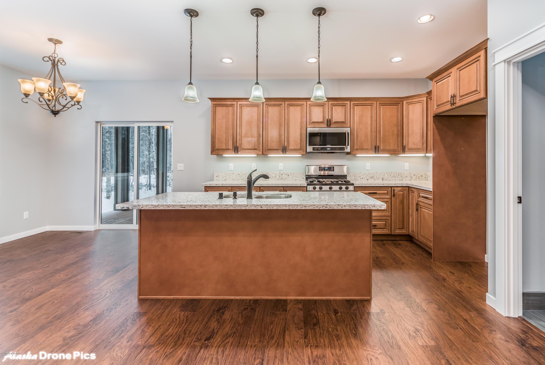 Kitchen - Photo Similar Finishes