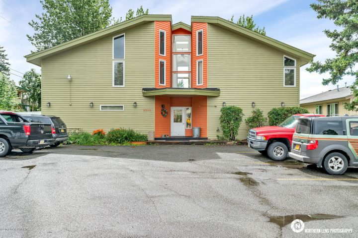 2304 McRae Road, Anchorage, AK 99517