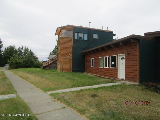733 Sunset Drive, Anchorage, AK 99501