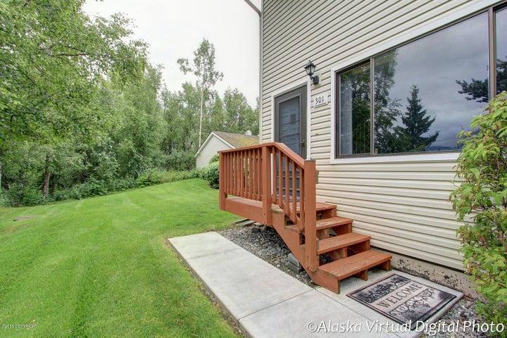 2224 Glacier Street, Anchorage, AK 99508