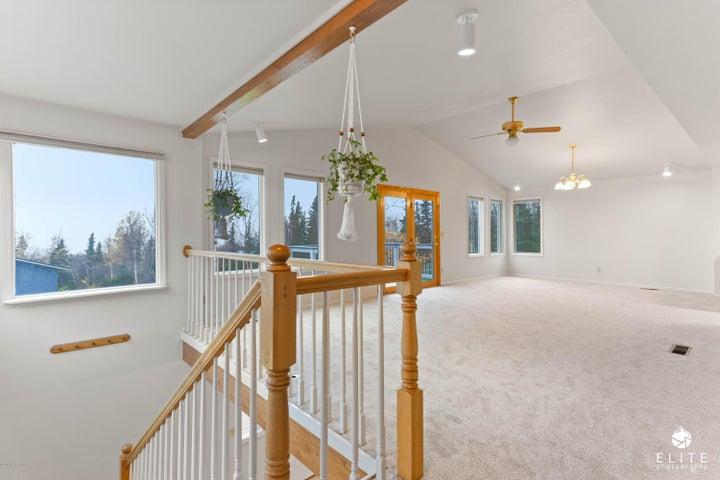 6736 Cloudcroft Lane, Anchorage, AK 99516