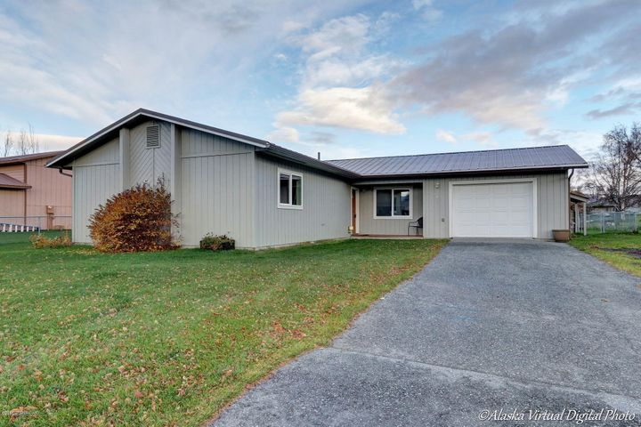 441 E Eagle Avenue, Palmer, AK 99645