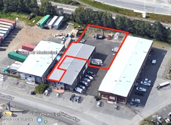 6132 Nielsen Way, Anchorage, AK 99518