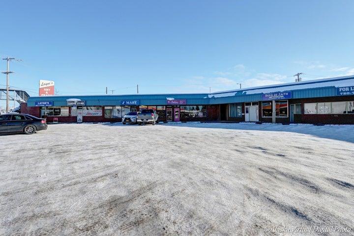 809 E Loop Road, Anchorage, AK 99501