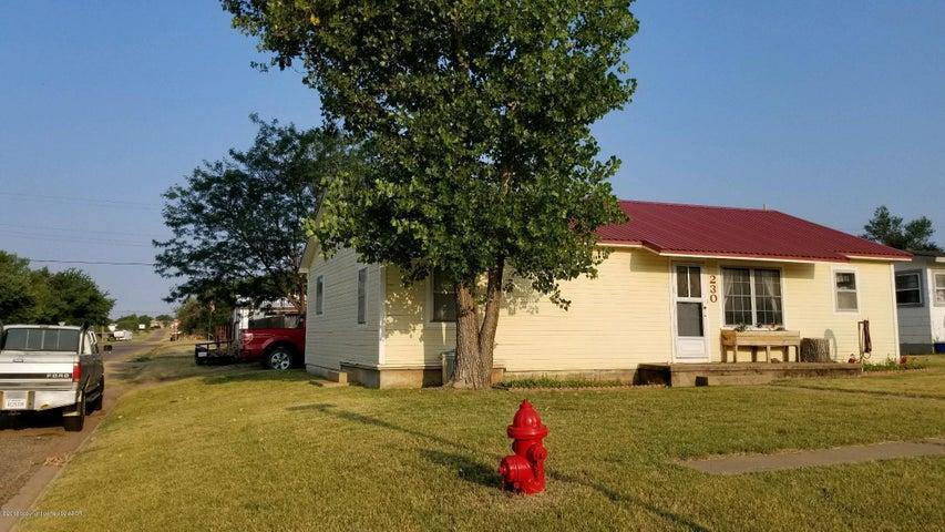 230 S MacKenzie Ave, Stinnett, TX 79083