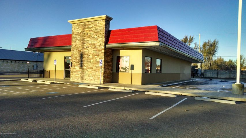 1014 S Main St, Perryton, TX 79070