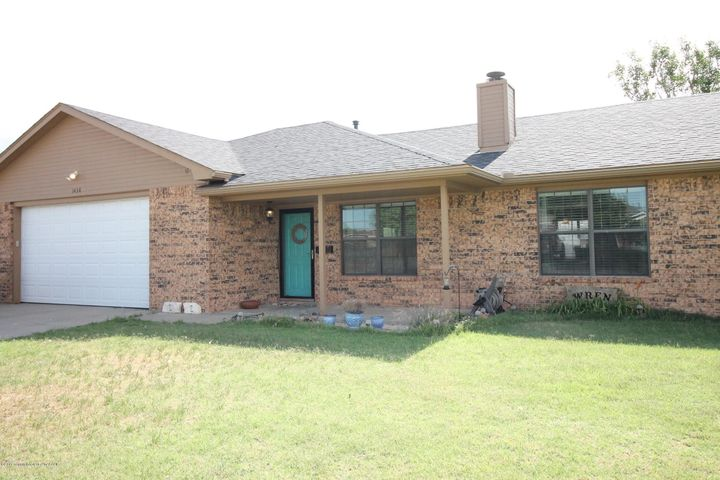 1438 N Dwight St, Pampa, TX 79065