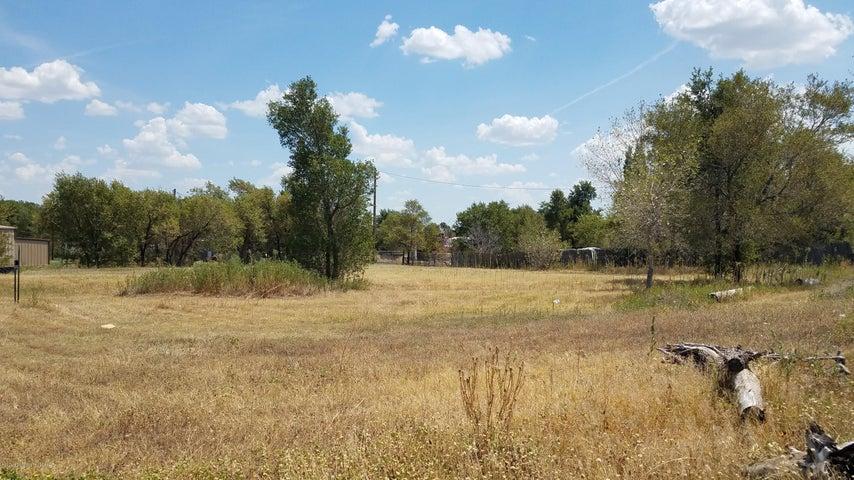 Lots 1-5 Morse Ave, Stinnett, TX 79083