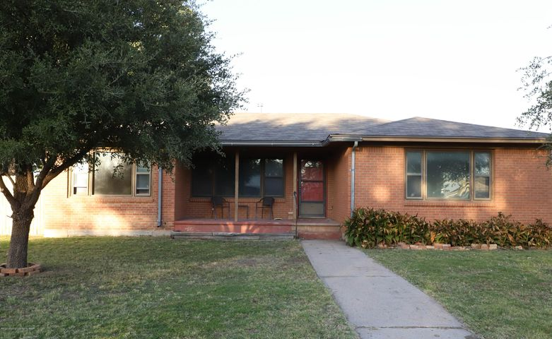 809 S Robey Ave, Fritch, TX 79036