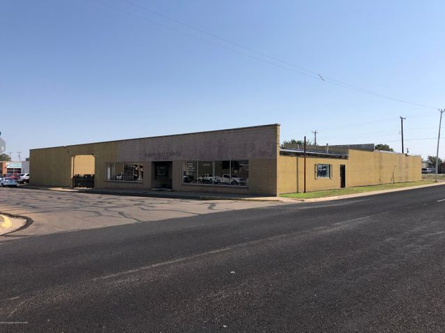 300 Weatherly St, Borger, TX 79007