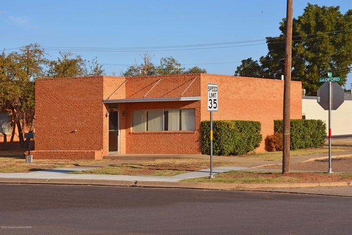 300 W Bedford, Dimmitt, TX 79027