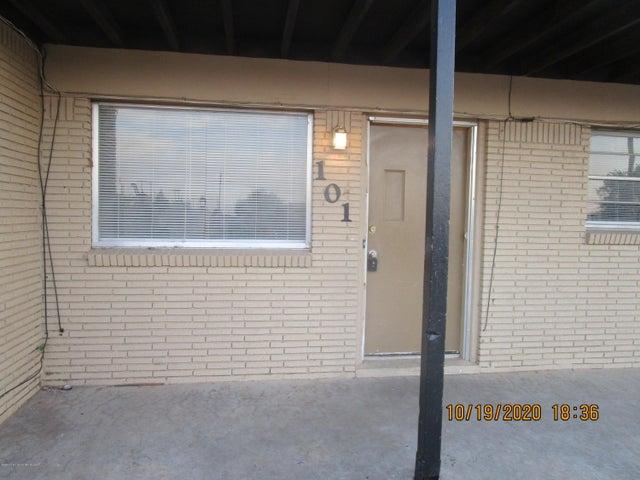 700 S McGee St, Borger, TX 79007