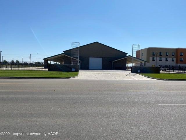 2617 S Main Street, Perryton, TX 79070