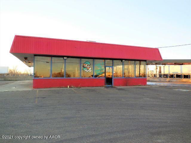 1243 N Main St, Shamrock, TX 79079