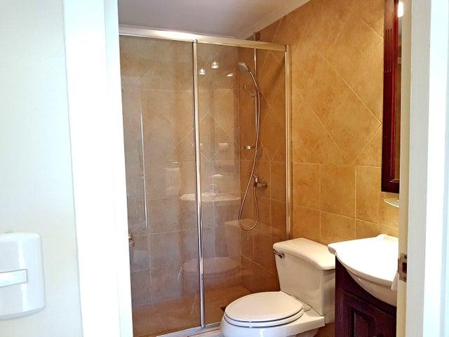 Residential-Casa Aruba>Noord>Noord - Alquiler:2.000 Dolar - codigo: 17-42