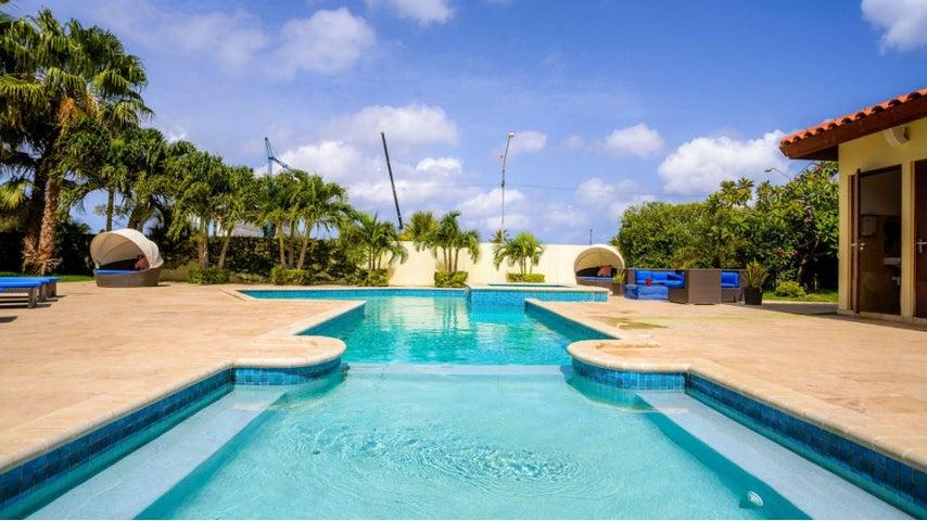 Residential-Casa Aruba>Oranjestad>Oranjestad - Venta:400.000 Dolar - codigo: 17-45