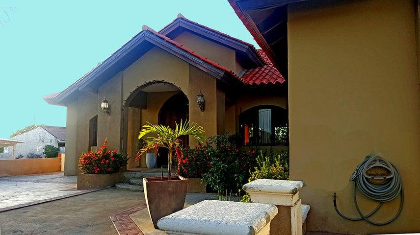 Residential-Casa Aruba>Noord>Noord - Venta:330.000 Dolar - codigo: 17-48
