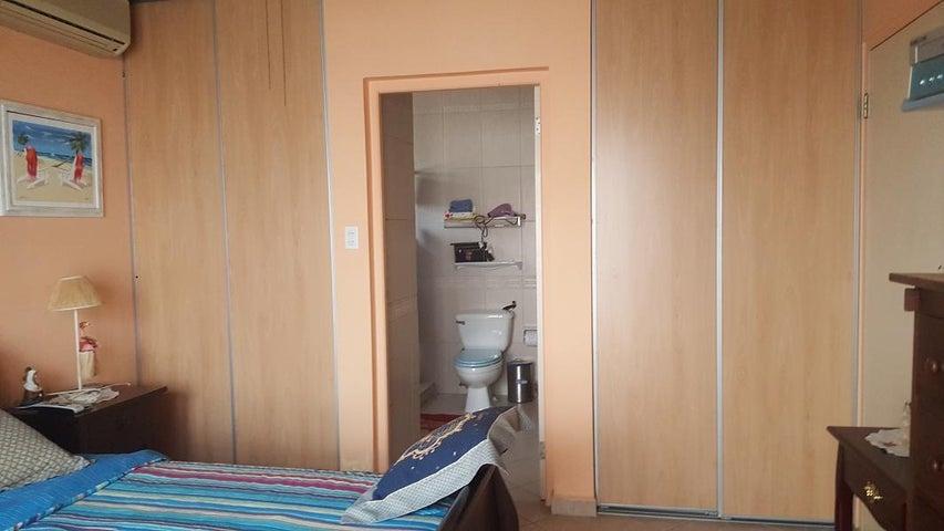 Residential-Casa Aruba>Oranjestad>Oranjestad - Venta:338.000 Dolar - codigo: 17-64