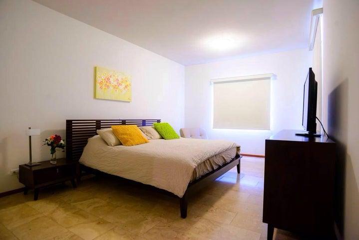 Residential-Casa Aruba>Oranjestad>Oranjestad - Alquiler:2.400 Dolar - codigo: 18-5